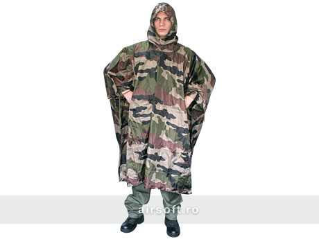 PONCHO MODEL RIPSTOP (WOODLAND)